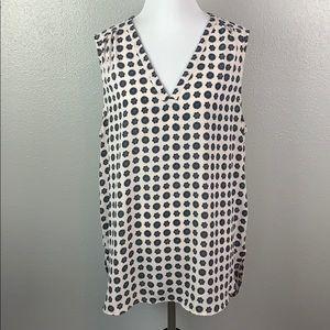 Xl floral sleeveless halogen v neck blouse